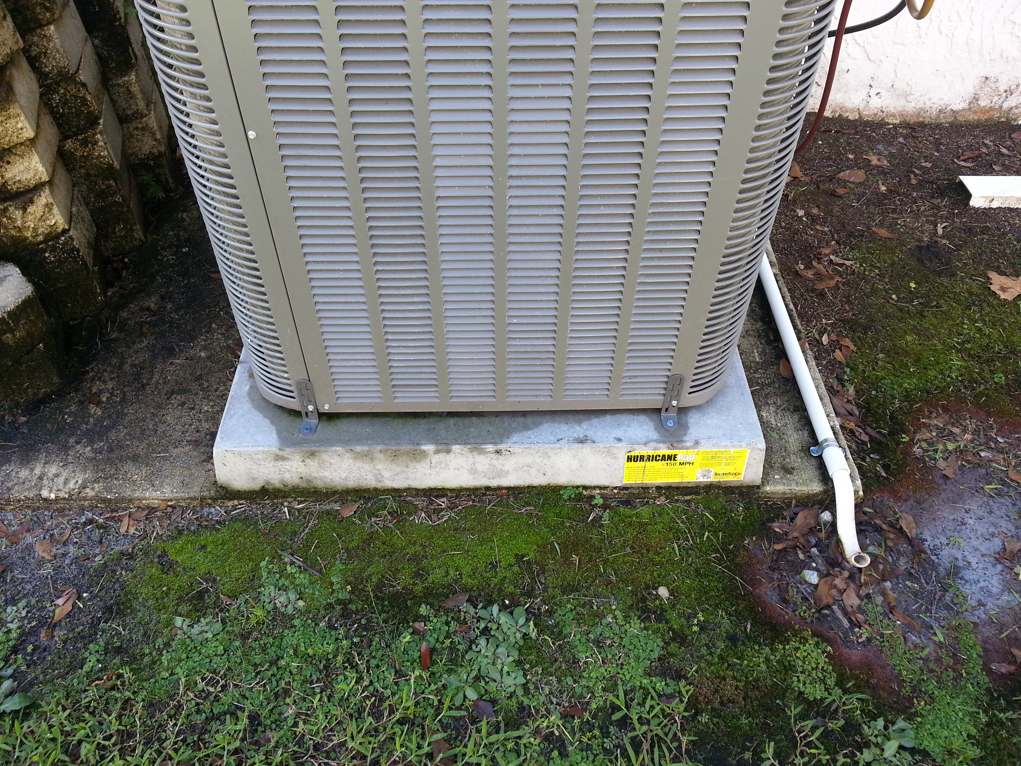 Condenser with condensation on slab
